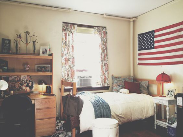 College dorm room with american flag display home design for American bedrooms