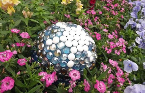 crystal-garden-gazing-balls