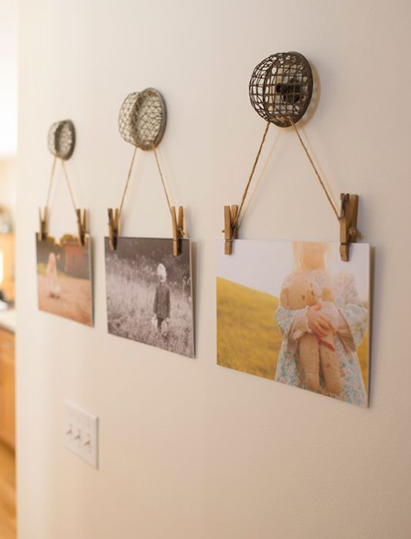 22 Beautiful Ways To Display Family Photos On Your Walls Home Design And Interior