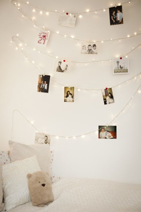 display-family-photos-wall-with-string-light-ideas