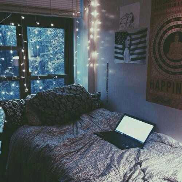 . pretty dorm room decor ideas