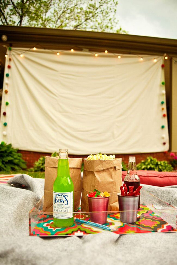 7 Easy Tips For Backyard Movie Theater