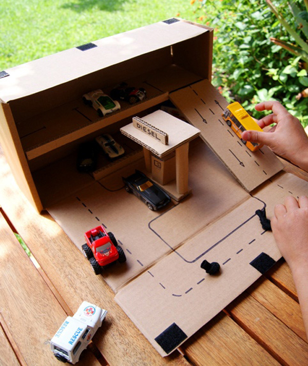 25 amazing diy cardboard toys for kids home design and interior. Black Bedroom Furniture Sets. Home Design Ideas