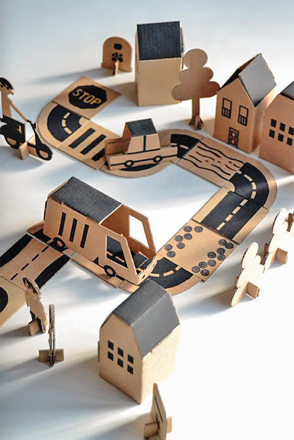 diy-kids-tracks-roads-and-towns-from-cardboard