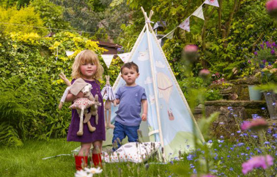 beautiful-outdoor-kids-teepee-ideas