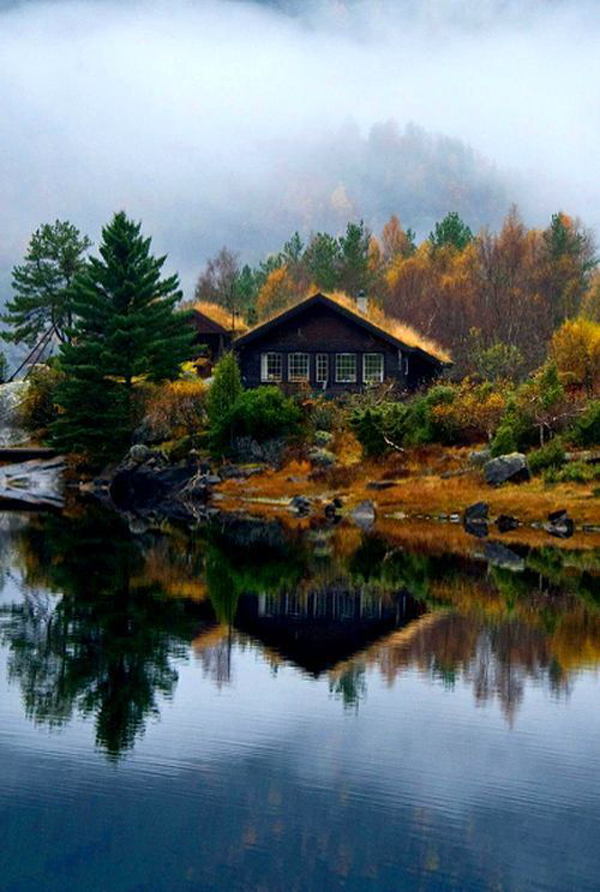 Lake House Getways In Norway