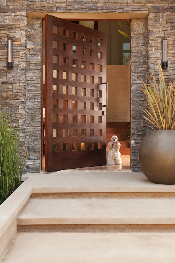 25 Modern Home Design With Wood Panel Wall: 25 Modern Front Door With Wood Accents