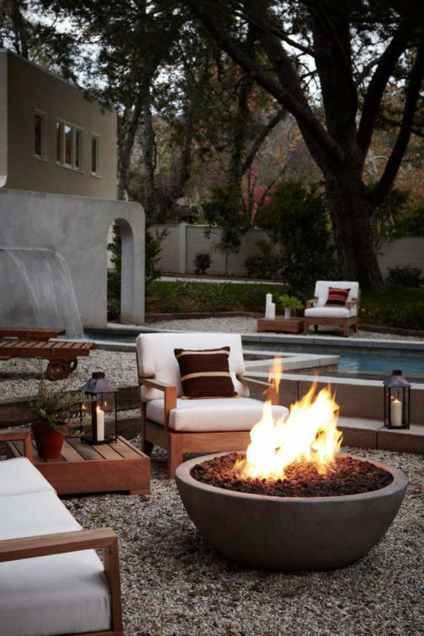 22 stunning outdoor fire pits for cozy backyard home for Outdoor modern fire pit