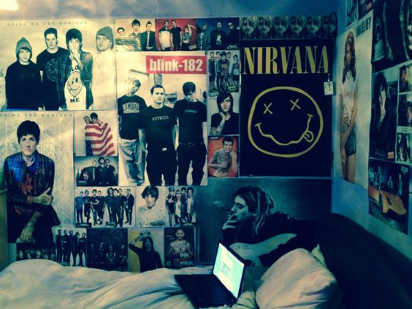 10 cool and fun grunge bedroom ideas home design and for Cool posters for bedrooms