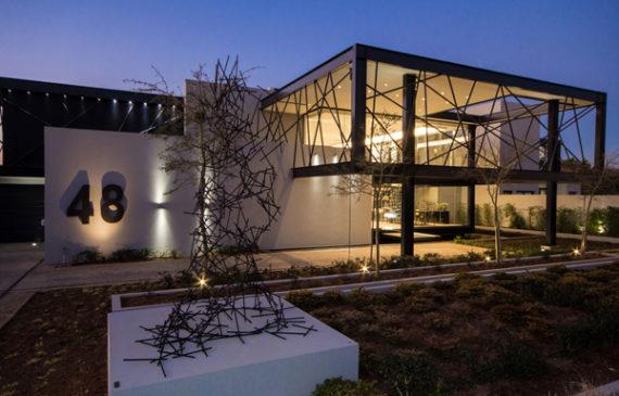house-ber-by-nico-van-der-meulen-architects