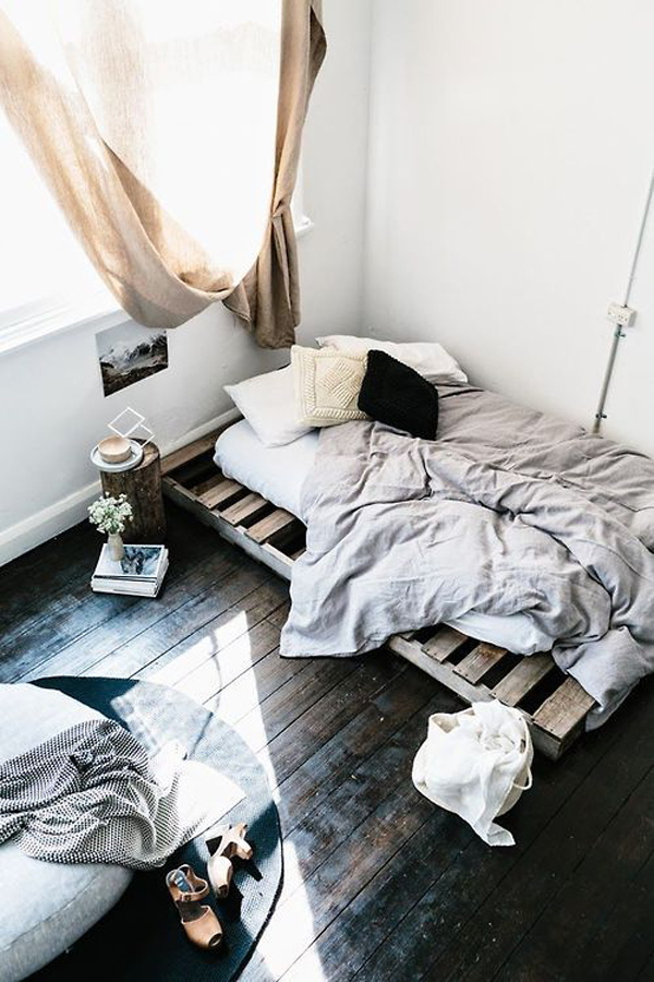 15 Simple DIY Bed Frames With Pallet Boards | HomeMydesign on Pallet Bed Design  id=45837