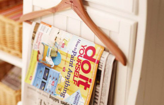 DIY-magazine-storage-with-hangers