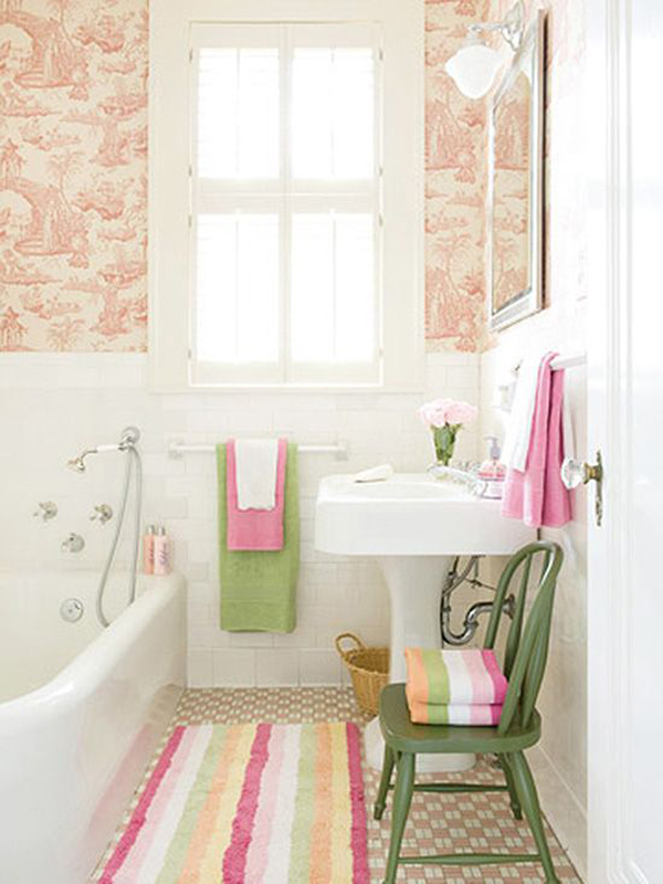 Beautiful pink tiny bathroom decor for Pretty small bathroom ideas
