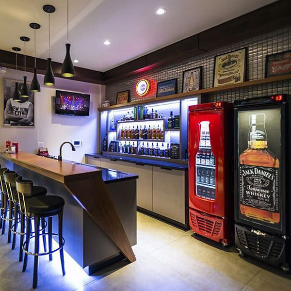 25 Cool And Masculine Basement Bar Ideas