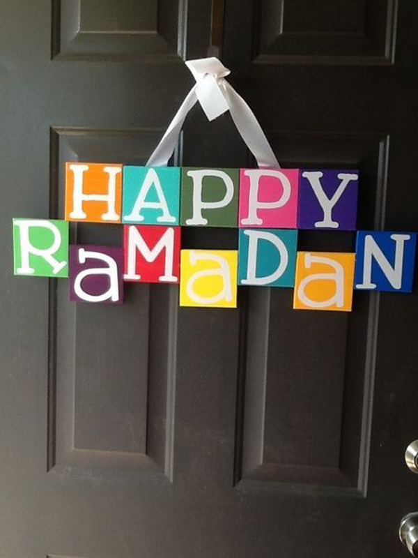 20 awesome wreath doors for eid and ramadan home design for Ramadan decorations home