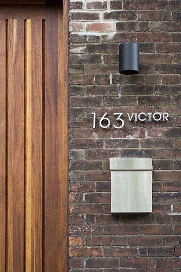 Modern Home Stainless Steel Wall Waterfall Fountain W: Modern-house-number-with-matching-stainless-steel-mailbox