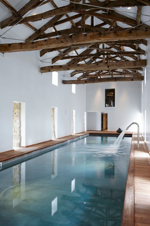 25 stunning indoor pools to make you relax home design for Indoor swimming pool ideas