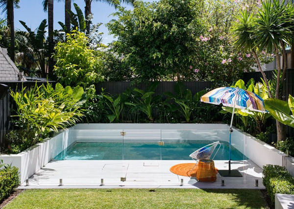 Beautiful small backyard pool ideas for Pool design for small backyards