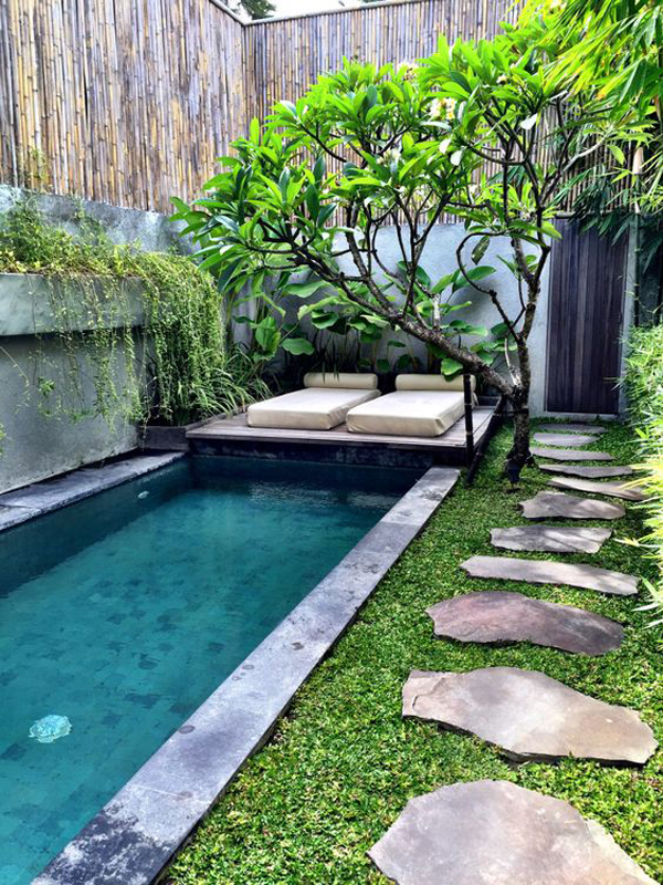18 gorgeous plunge pools for tiny backyard home design for Small inground swimming pools