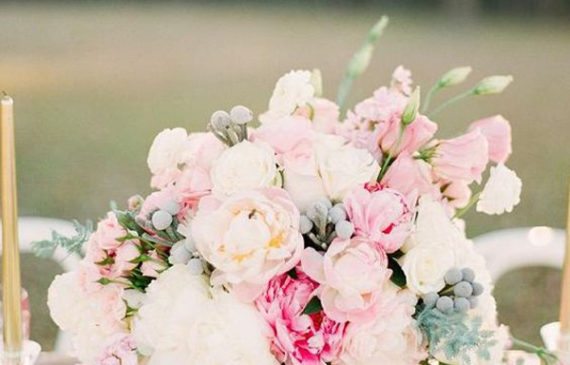 romantic-flower-centerpieces-for-summer-wedding