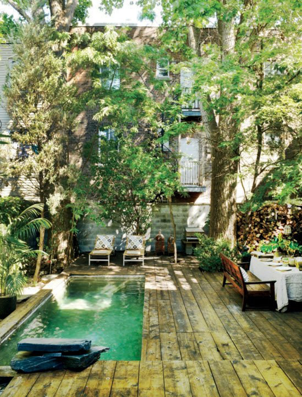 20 lovely backyard ideas with narrow space home design for Garden mini pool