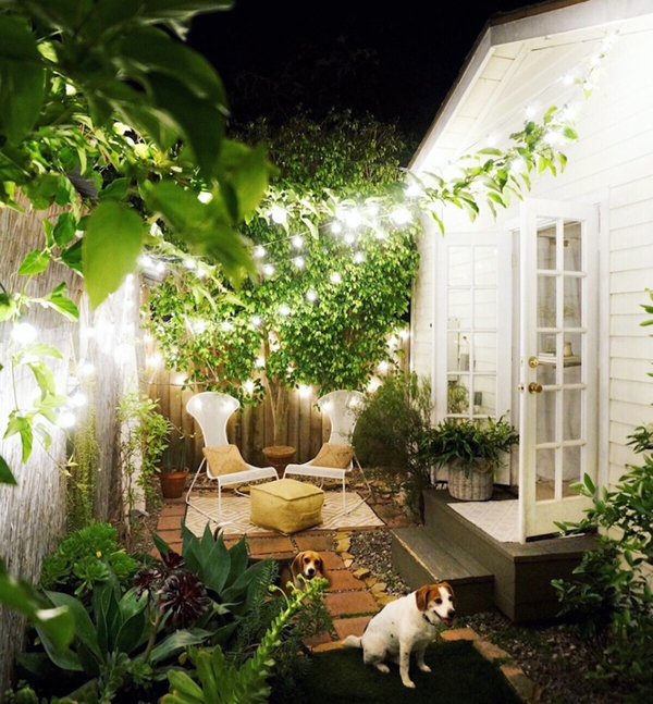 20 Lovely Backyard Ideas With Narrow Space | HomeMydesign on Small Backyard Patio Designs id=87329