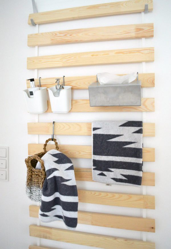 Ikea bathroom wall hanging ideas for Bathroom pictures to hang on wall
