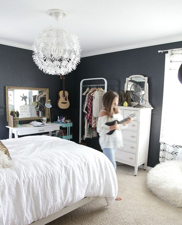 Teen-girl-bedroom-with-black-walls