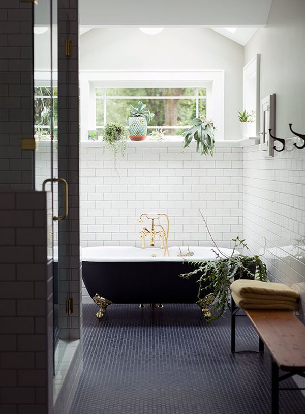 20 cool black bathtub with gothic influence home design for Gothic bathroom ideas