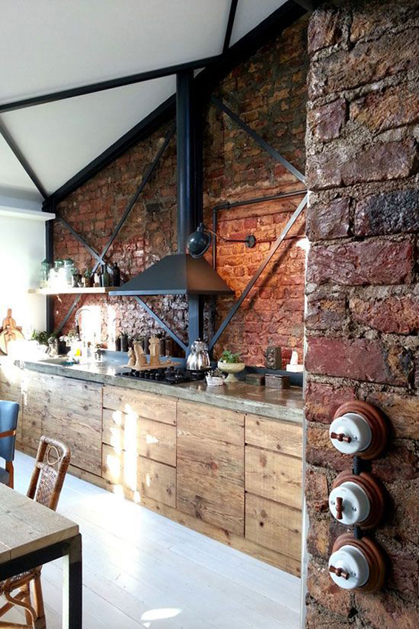 Rustic kitchen design with brick wall exposed for Exposed brick wall kitchen ideas