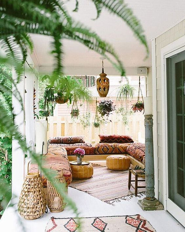 Second Home Decorating Ideas: 15 Inspiring Bohemian Porch With Colored Textiles