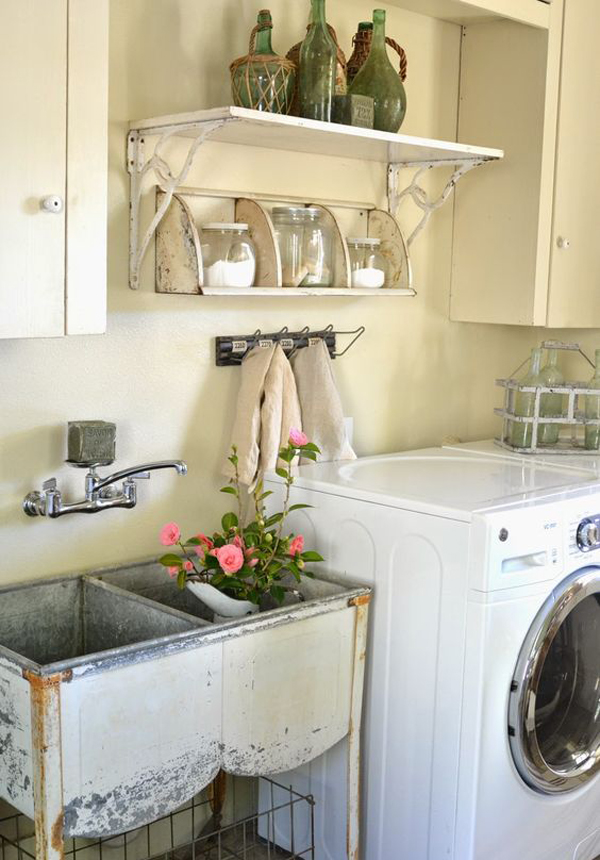 10 most awesome laundry room with rustic touches home for Decorate a laundry room