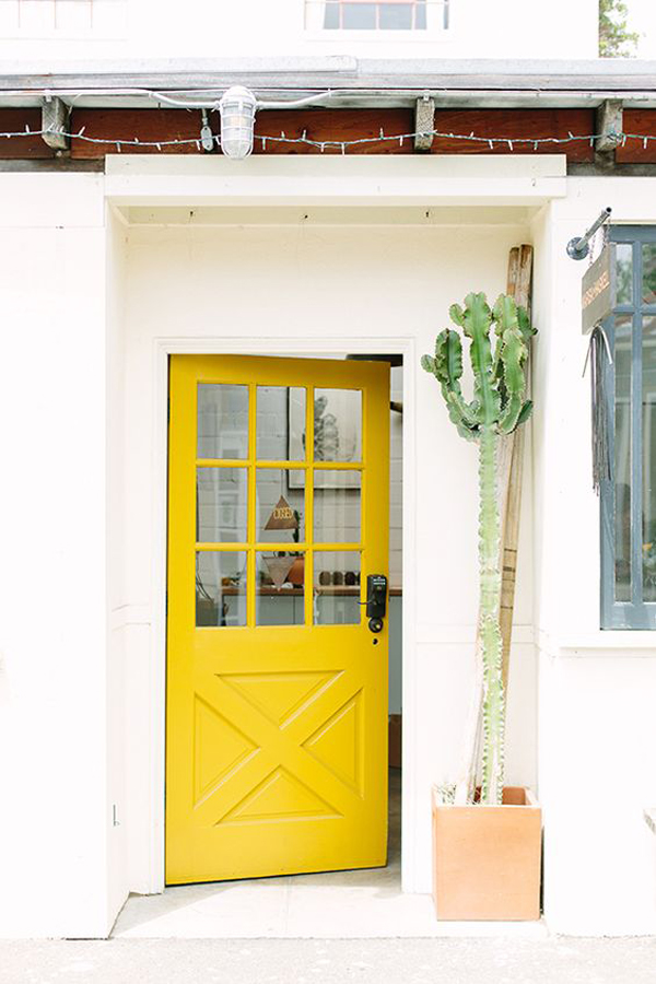 25 Eclectic Front Doors With Pastel Colors Homemydesign