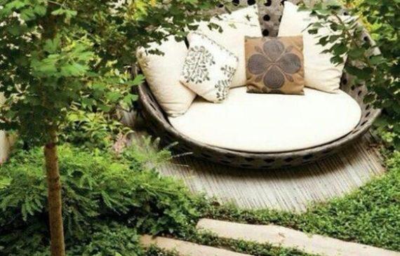 cozy-round-reading-nook-in-secret-garden