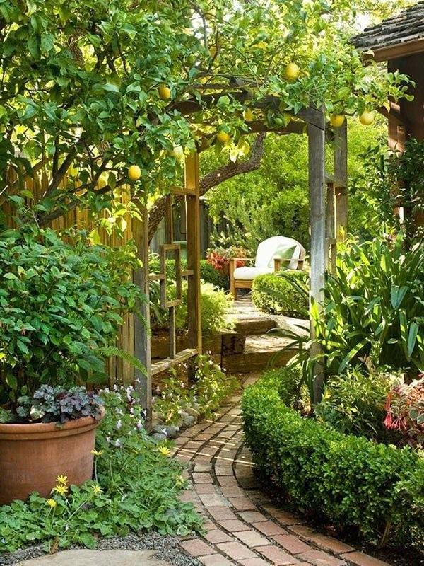 20 Outdoor Reading Nooks With The Secret Garden | HomeMydesign on Backyard Nook Ideas id=61926