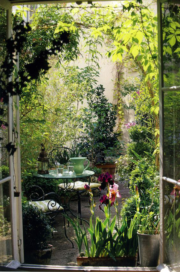 20 outdoor reading nooks with the secret garden home for Small house garden design