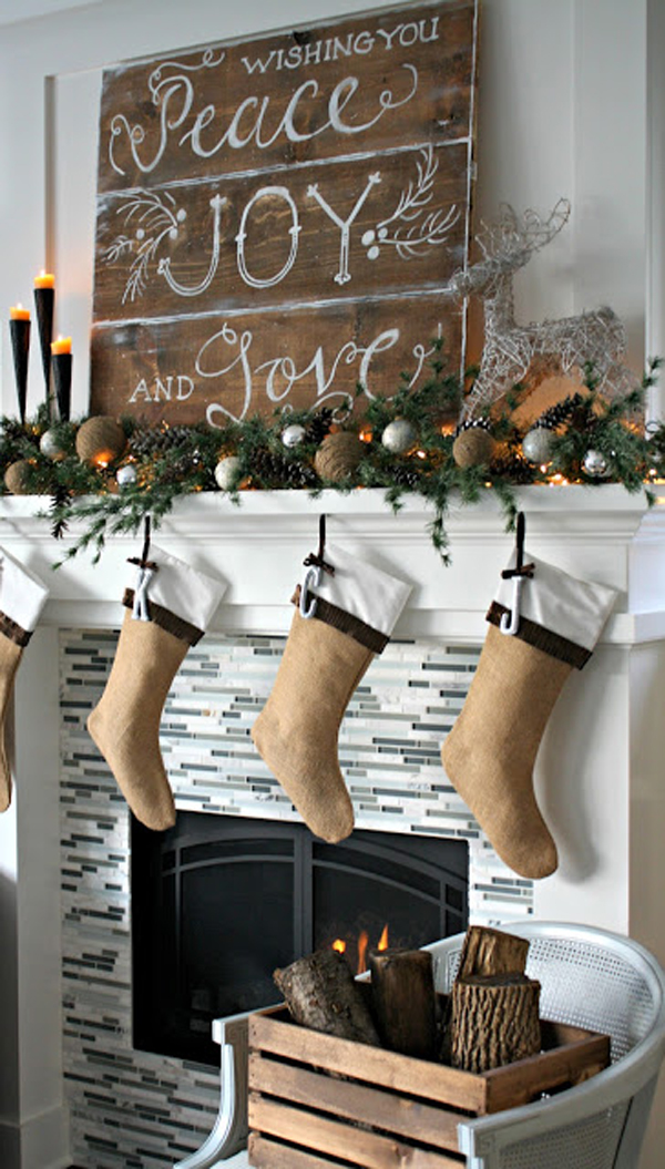 farmhouse christmas mantel decor ideas
