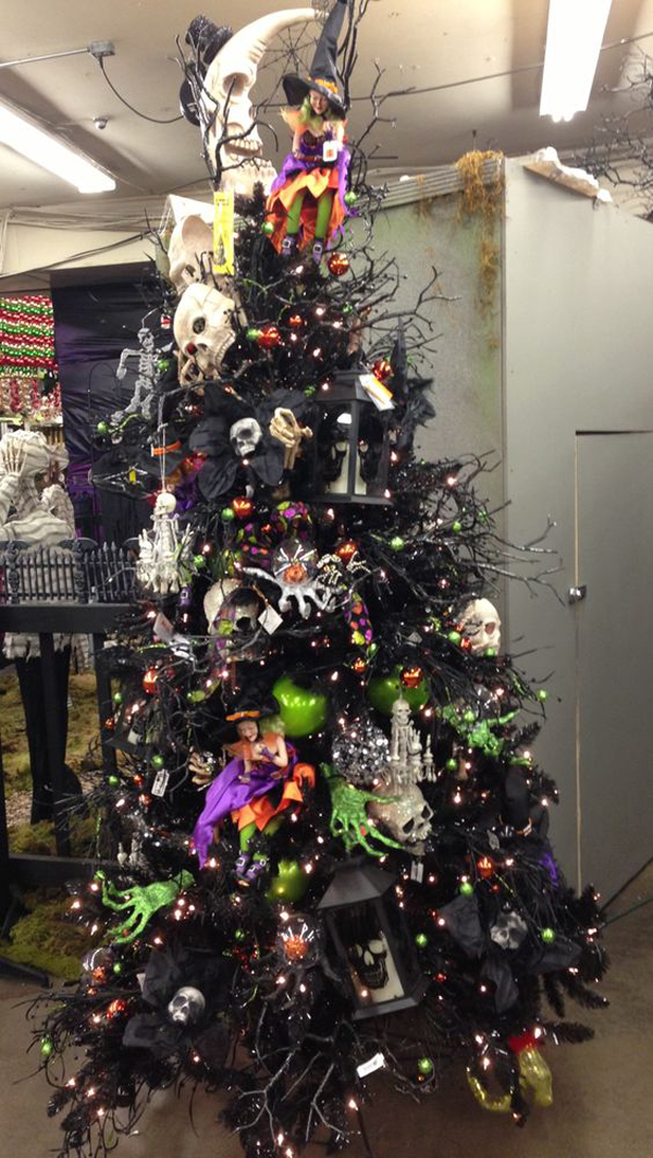 Halloween Christmas Tree.Halloween Christmas Tree
