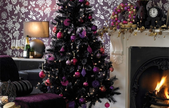 purple-gothic-christmas-tree-decoration