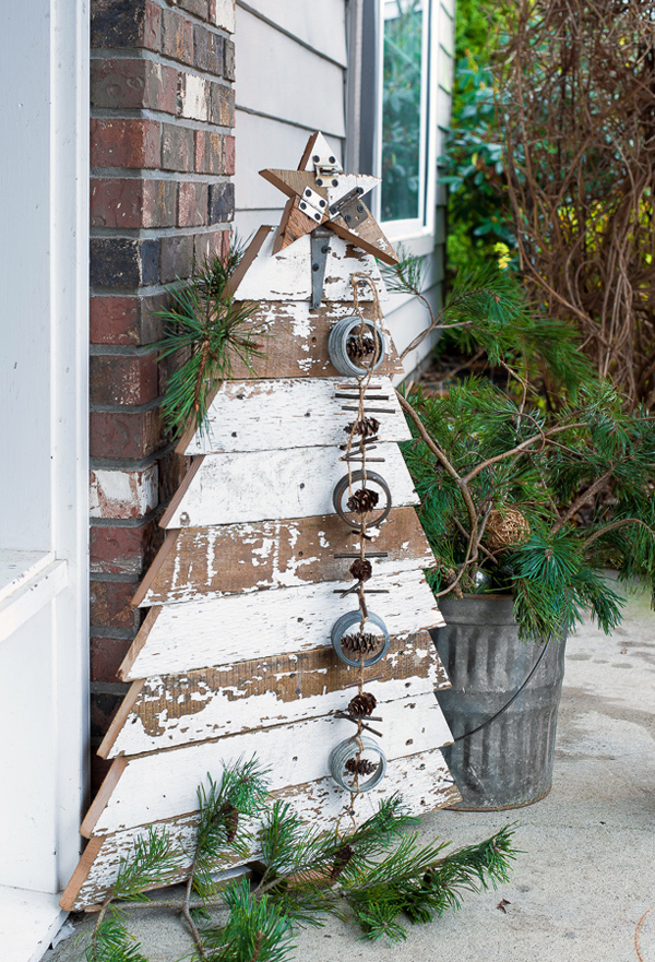 reclaimed wood outdoor christmas tree - Wooden Outdoor Christmas Decorations