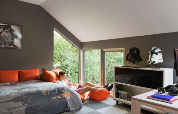 teen-loft-bedroom-with-favorite-color