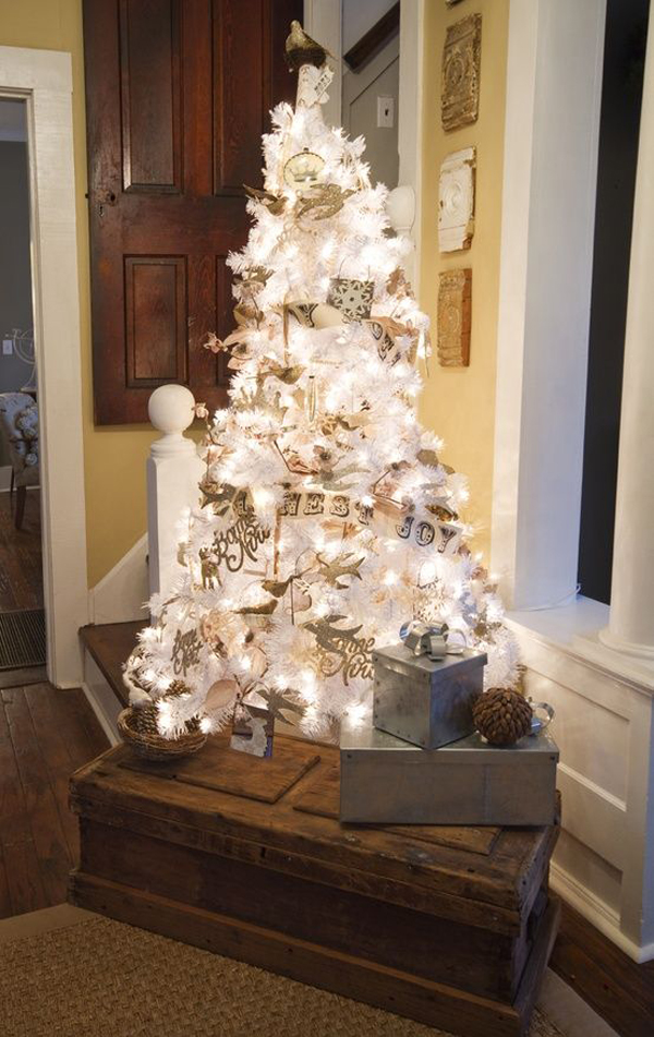 35 neutral and vintage white christmas tree ideas home - White christmas tree themes ...