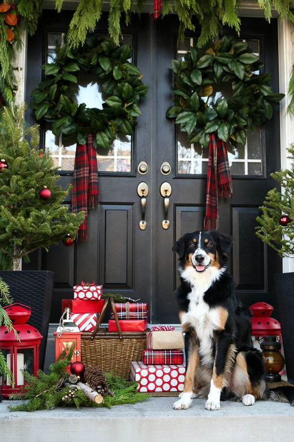 20 Simple Christmas Front Door With Greenery Ideas Home Design And