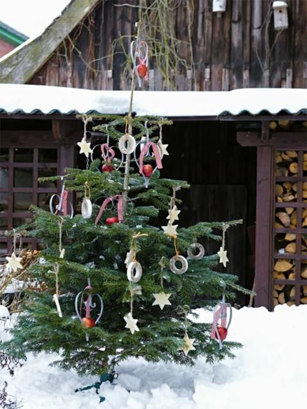 put them on your patio with carts and decorate with ornaments or wreaths take a look at the idea of following natural christmas tree and get more - Natural Outdoor Christmas Decorations