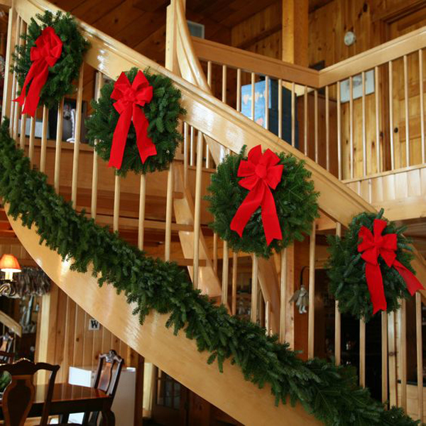 35 amazing christmas staircase with banister ornaments home design and interior - How To Decorate Outdoor Stairs For Christmas