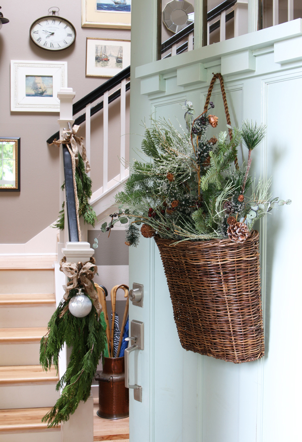 20 Simple Christmas Front Door With Greenery Ideas