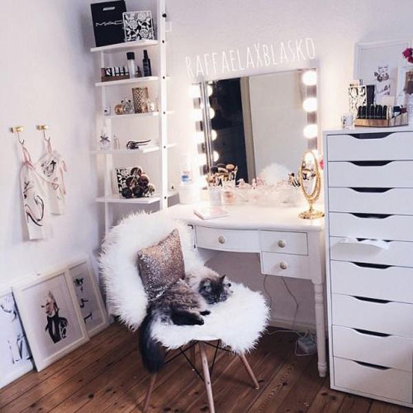 tten girl makeup room decor