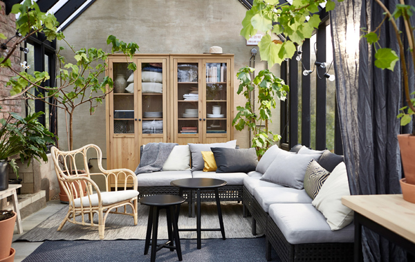 15 Cozy Indoor/Outdoor Living Room Ideas