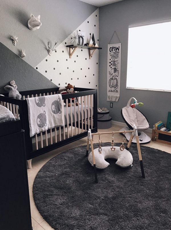 Neutral Grey Nursery With Zoo Themes | HomeMydesign