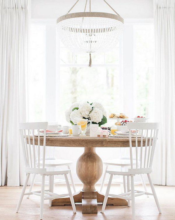 Elegant Round Dining Table Decor. «